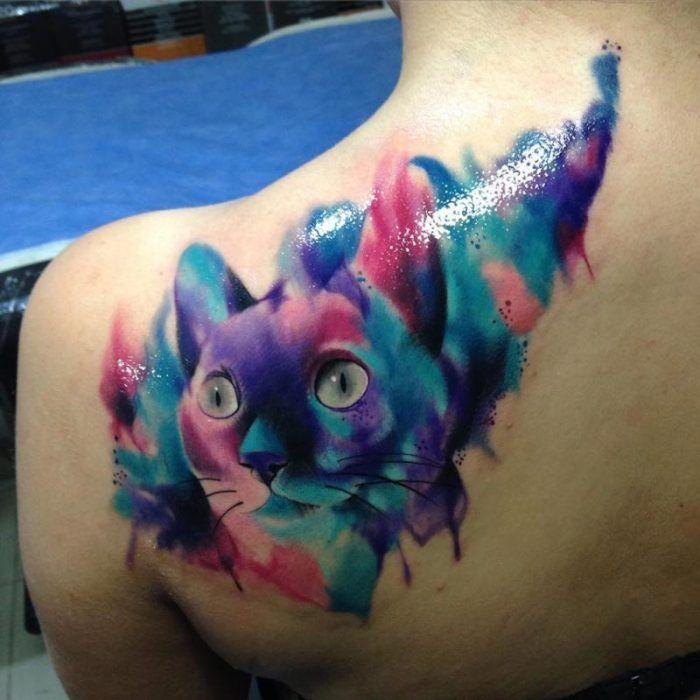 Цветная татуировка-кошка