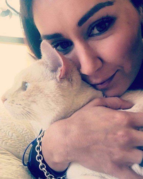 Кот Диего и его хозяйка