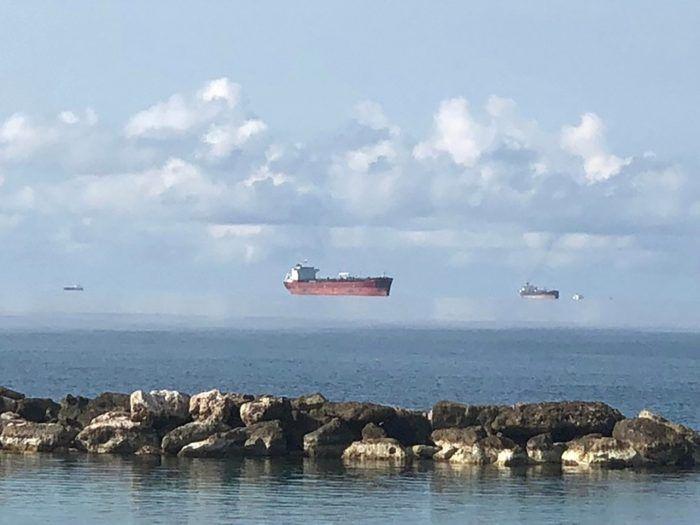Корабли в облаках