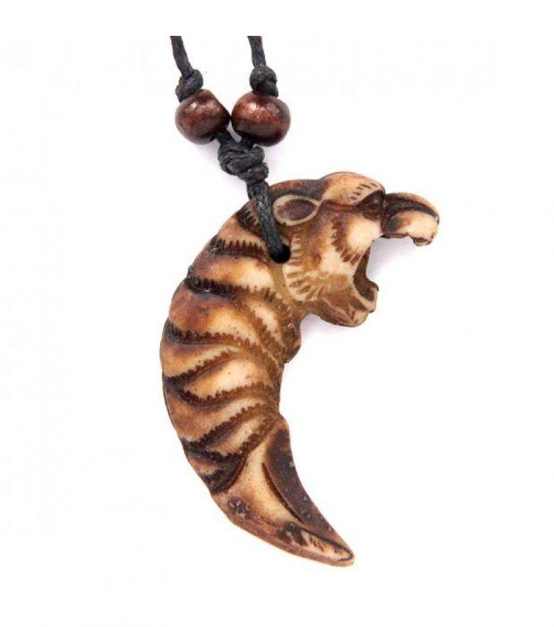 Амулет из клыка тигра